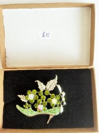 Boxed Shoe Brooch with multi-coloured stones